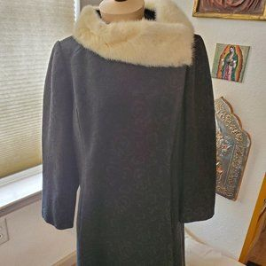 Vintage wool coat with fur collar
